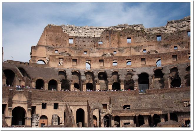 2009 04 08 Rome Colosseum-18