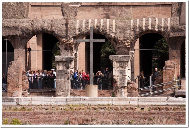 2009 04 08 Rome Colosseum-19