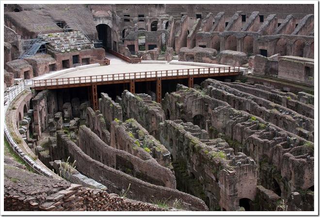 2009 04 08 Rome Colosseum-38