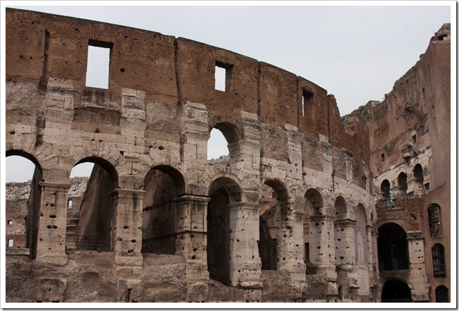 2009 04 08 Rome Colosseum-67