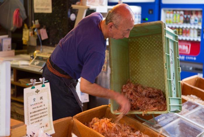 2012 07 29 Tsukiji Fish Market_-57