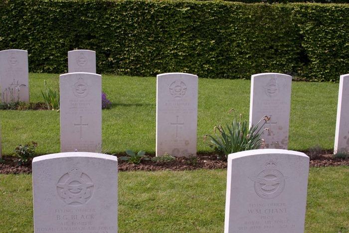 2009 05 03 St Desire War Cemetery  (18)