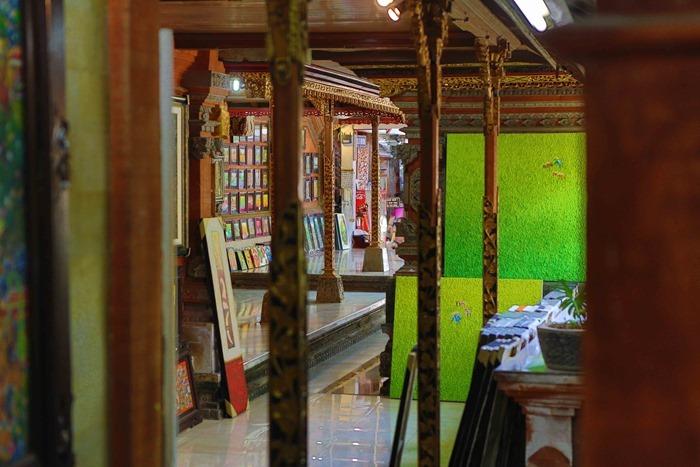 2013 03 24 Bali Art Shop _-18