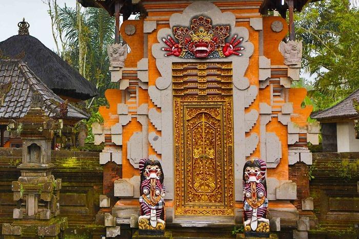 2013 03 24 Bali Temple _-11