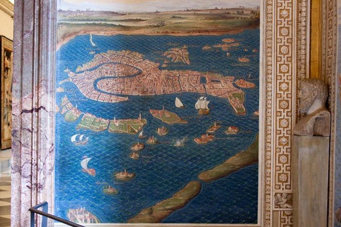 2009 04 Vatican Gallery of Maps_-11