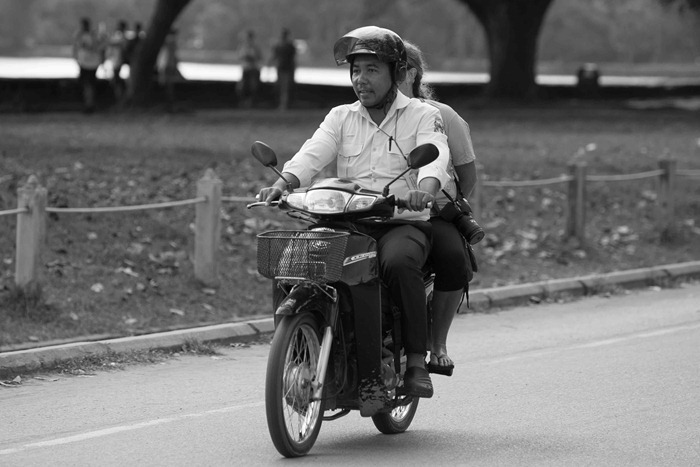 2013 11 24 Cambodia touring_-19