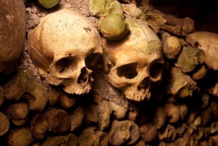 2008 Dec 28 Paris Catacombs_-14