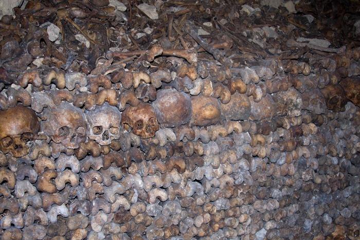 2008 Dec 28 Paris Catacombs_-20