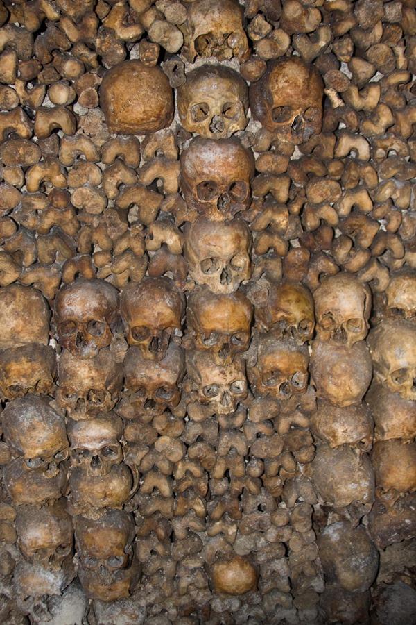 2008 Dec 28 Paris Catacombs_-21