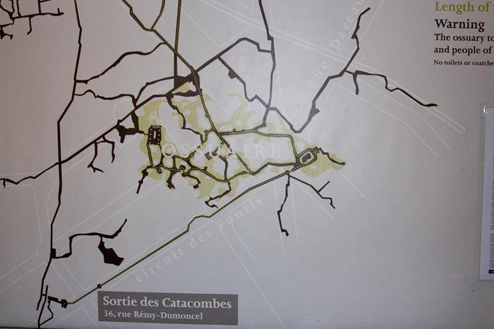 2008 Dec 28 Paris Catacombs_-3