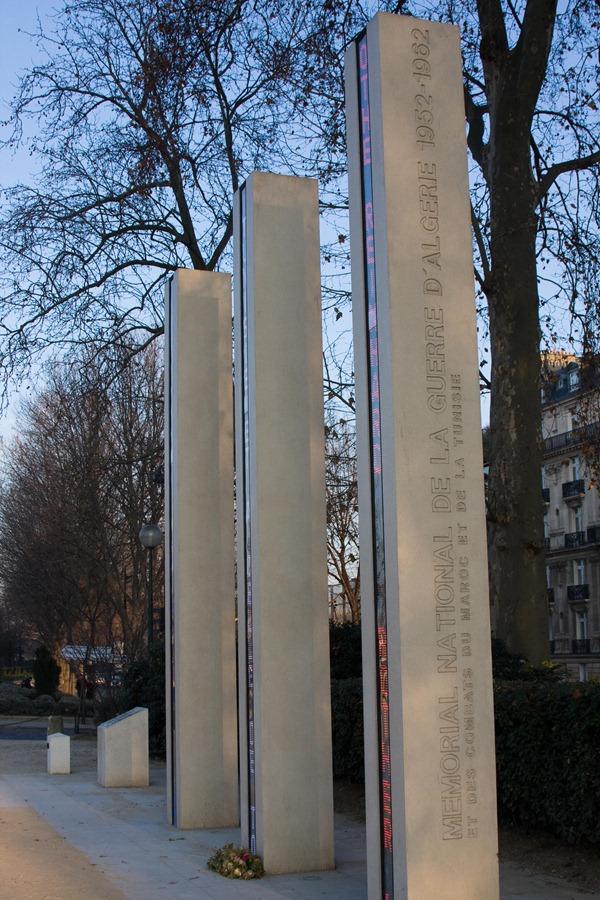 2008 December 29 Walking Back to Paris Hotel  _MG_2811