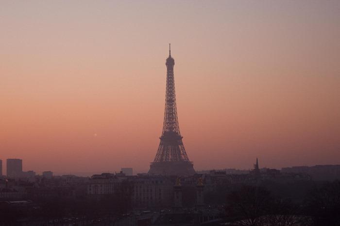 2008 December 29 Walking Back to Paris Hotel  _MG_2834